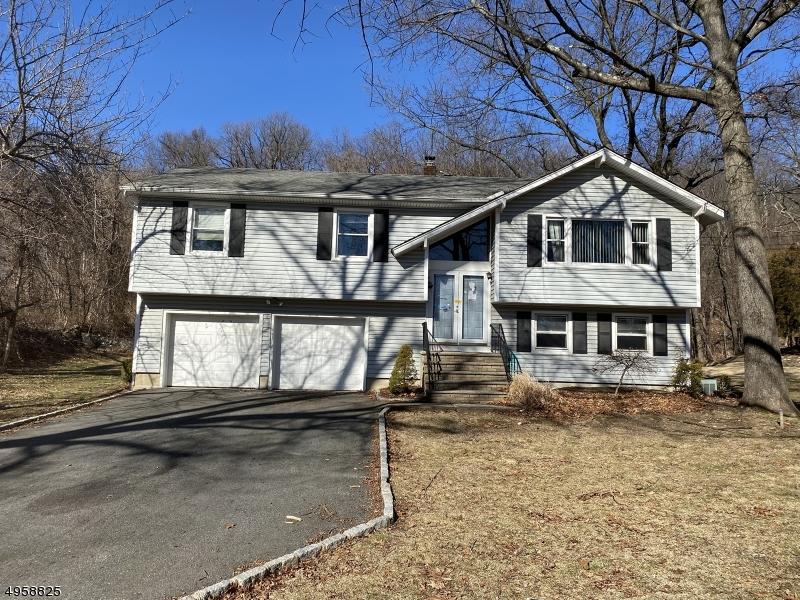 Single Family Homes для того Продажа на Riverdale, Нью-Джерси 07457 Соединенные Штаты