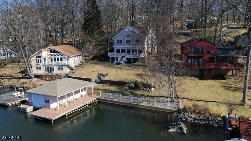 Single Family Homes для того Продажа на Hopatcong, Нью-Джерси 07843 Соединенные Штаты