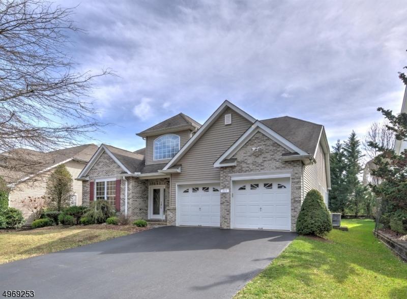 Single Family Homes vì Bán tại Marlboro, New Jersey 07746 Hoa Kỳ