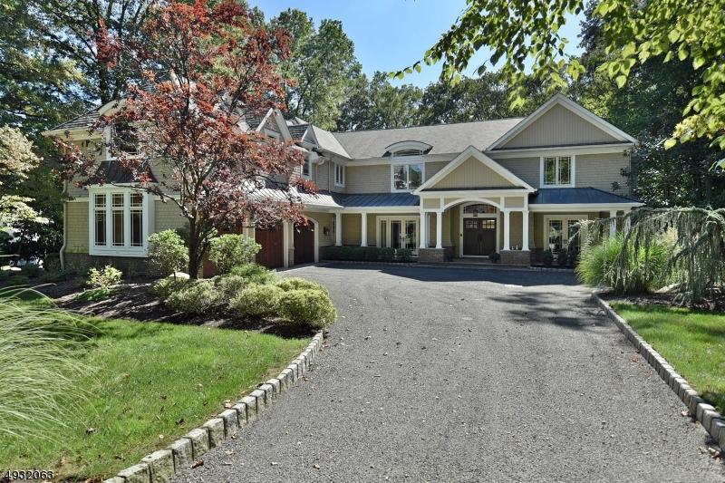Single Family Homes для того Продажа на Upper Saddle River, Нью-Джерси 07458 Соединенные Штаты