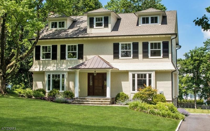 Single Family Homes 为 销售 在 Madison, 新泽西州 07940 美国