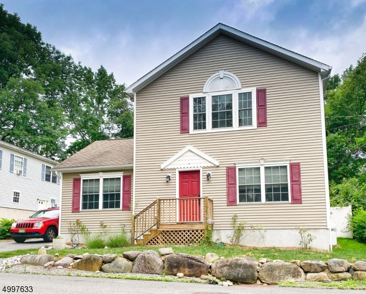 Property 为 销售 在 西米尔福德, 新泽西州 07480 美国