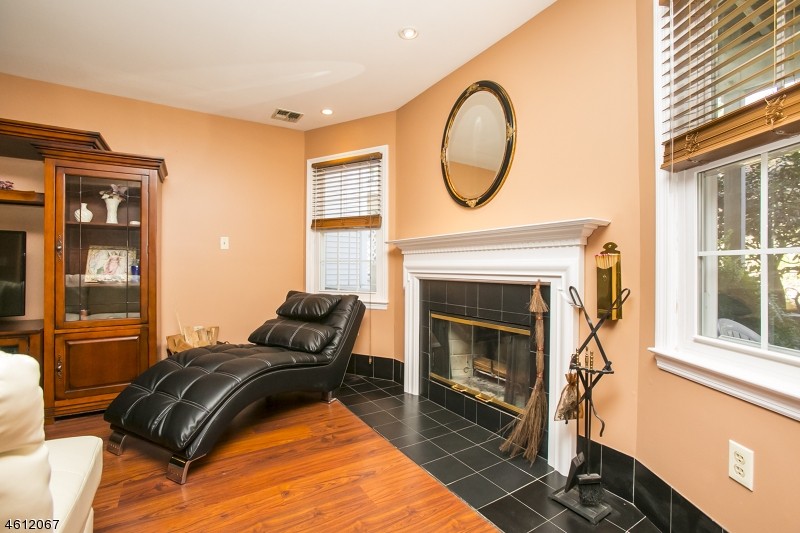 Additional photo for property listing at 27 Amethyst Lane  Paterson, Nueva Jersey 07501 Estados Unidos