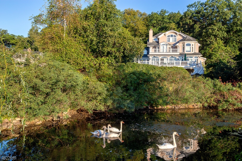 Additional photo for property listing at 260 Boulevard  Mountain Lakes, New Jersey 07046 États-Unis