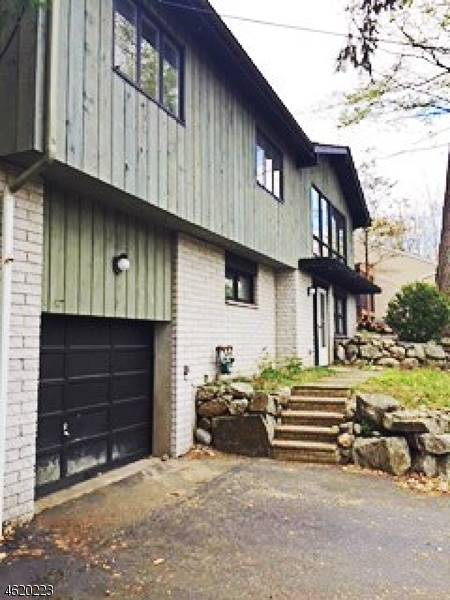Additional photo for property listing at 320 Cupsaw Drive  Ringwood, New Jersey 07456 États-Unis