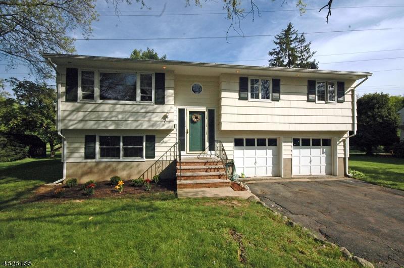 Maison unifamiliale pour l Vente à 60 Parrott Mill Road Chatham, New Jersey 07928 États-Unis