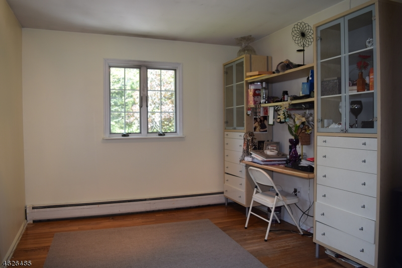 Additional photo for property listing at 60 Parrott Mill Road  Chatham, New Jersey 07928 États-Unis