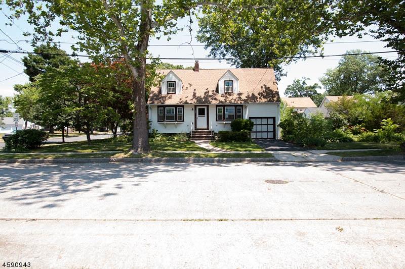 Частный односемейный дом для того Продажа на 637 Sherman Avenue Roselle Park, Нью-Джерси 07204 Соединенные Штаты