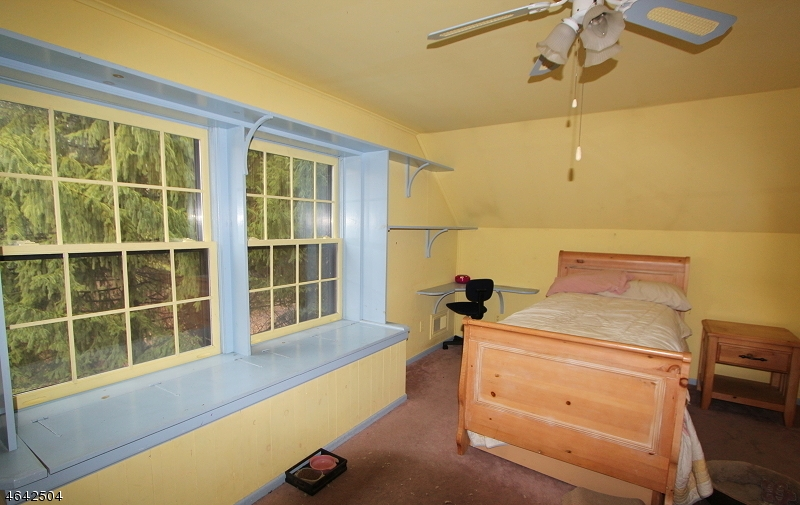 Additional photo for property listing at 168 Asbury-West Portal Road  Asbury, New Jersey 08802 États-Unis