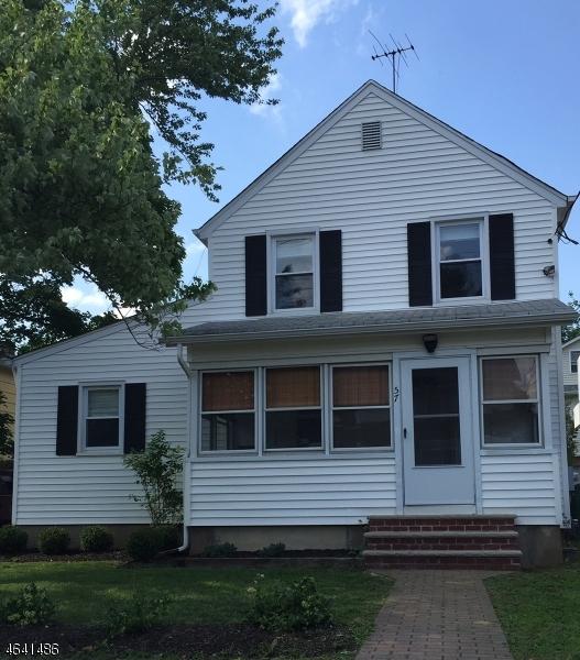 Частный односемейный дом для того Продажа на 57 Bernards Avenue Bernardsville, Нью-Джерси 07924 Соединенные Штаты