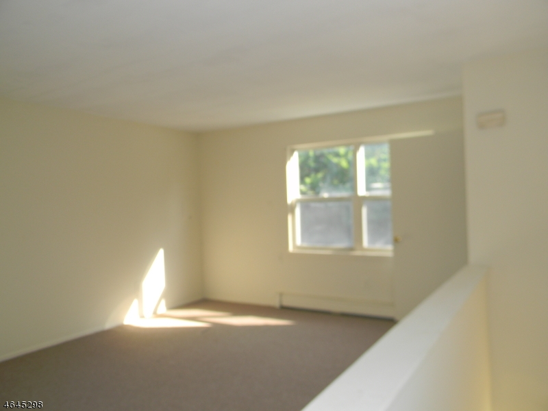 Additional photo for property listing at 267 Park Ave, UNIT 4D  East Orange, New Jersey 07017 United States