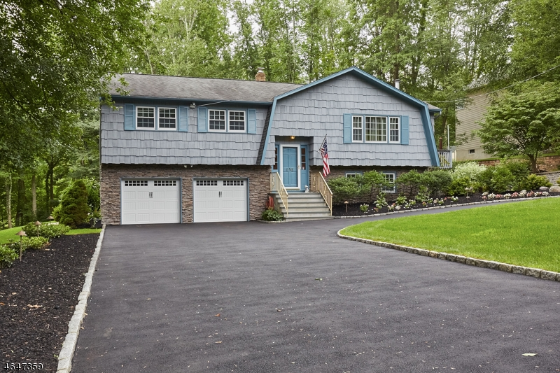 Additional photo for property listing at 1 Coppola Court  Montville, Nueva Jersey 07045 Estados Unidos