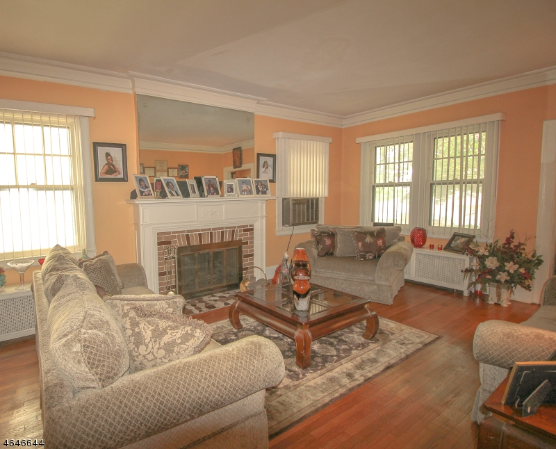 Additional photo for property listing at 416 Hillside Avenue  Orange, Nueva Jersey 07050 Estados Unidos
