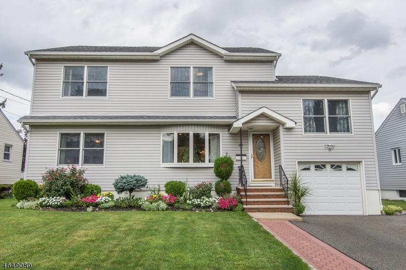 Casa Unifamiliar por un Venta en 22 Pilgrim Drive Clifton, Nueva Jersey 07013 Estados Unidos