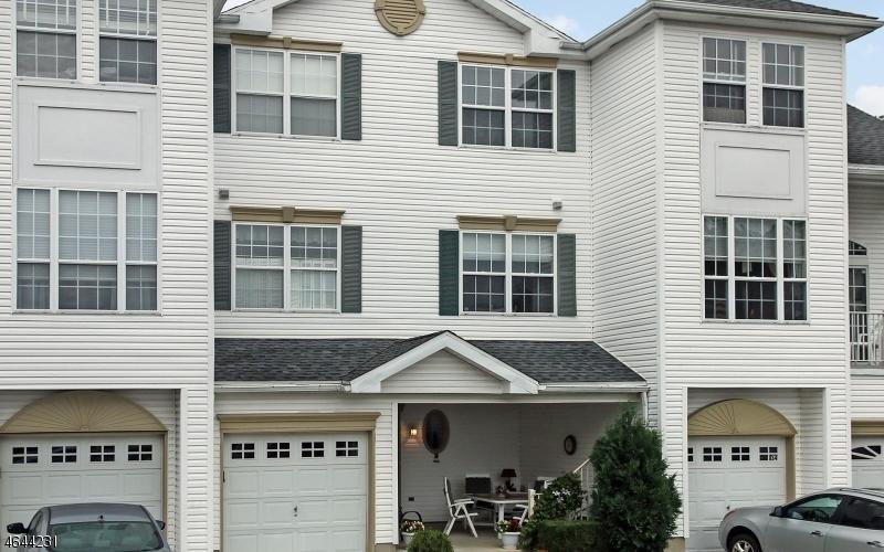 Частный односемейный дом для того Продажа на 36 Wildflower Lane Morristown, Нью-Джерси 07960 Соединенные Штаты