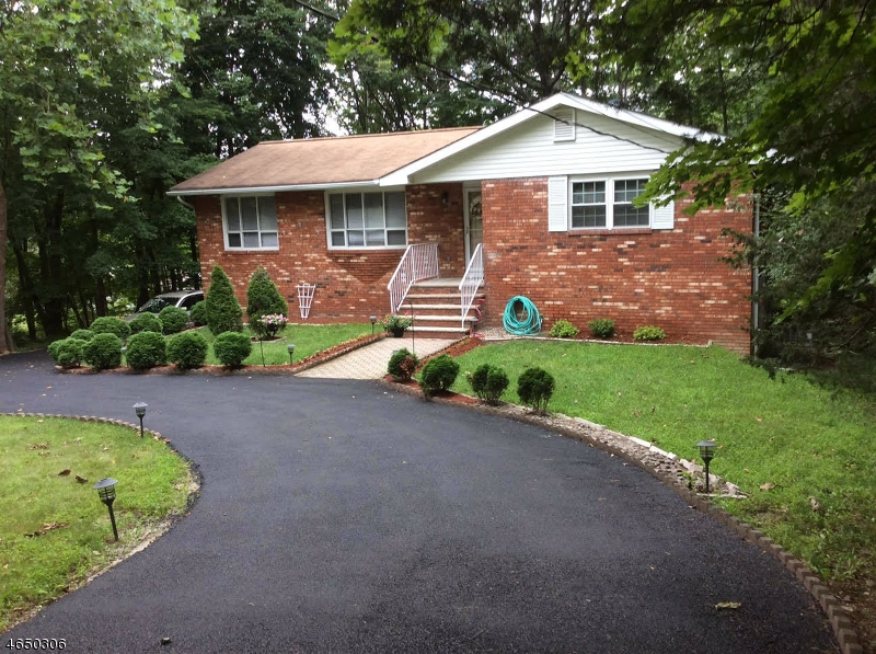 Additional photo for property listing at 951 Cedar Drive  Newton, New Jersey 07860 États-Unis