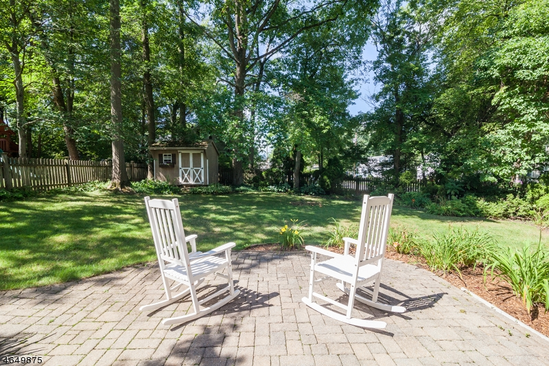 Additional photo for property listing at 42 Ridgeview Avenue  New Providence, New Jersey 07974 United States