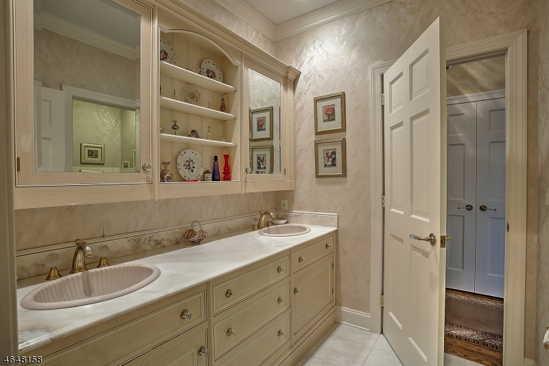 Additional photo for property listing at 10 Oak Forest Lane  Mendham, New Jersey 07945 États-Unis