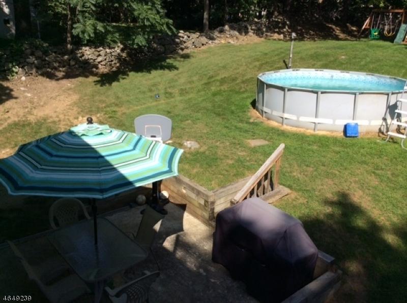 Частный односемейный дом для того Продажа на 862 County Route 517 Glenwood, 07418 Соединенные Штаты