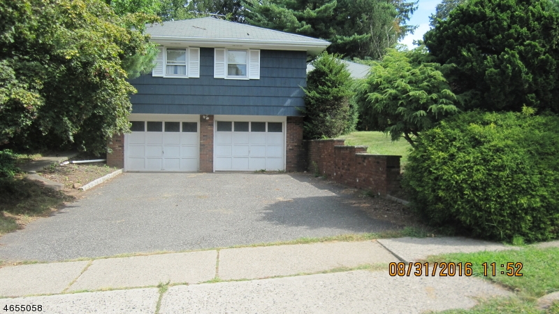 Additional photo for property listing at 60 Churchill Drive  Clifton, Нью-Джерси 07013 Соединенные Штаты
