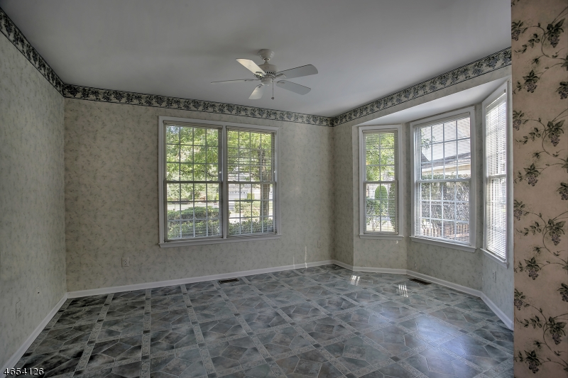 Additional photo for property listing at 24 Young Court  Chester, Nueva Jersey 07930 Estados Unidos