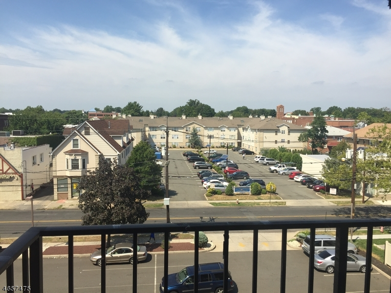 Additional photo for property listing at 10 N Wood Ave, UNIT 418  Linden, Nueva Jersey 07036 Estados Unidos