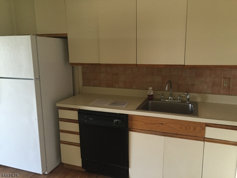 Additional photo for property listing at 10 N Wood Ave, UNIT 418  Linden, New Jersey 07036 États-Unis