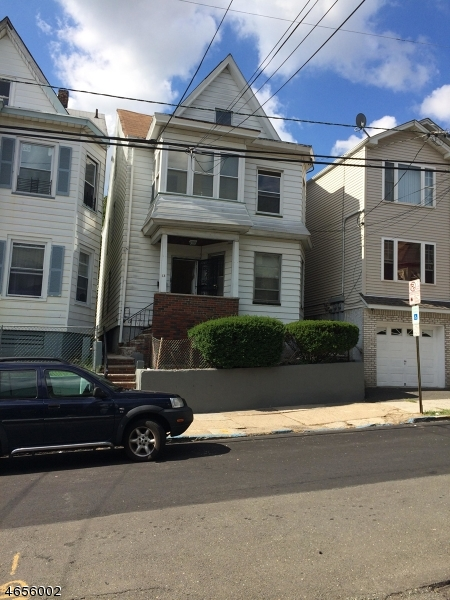 Additional photo for property listing at 13 Barnert Place  Paterson, Nueva Jersey 07522 Estados Unidos