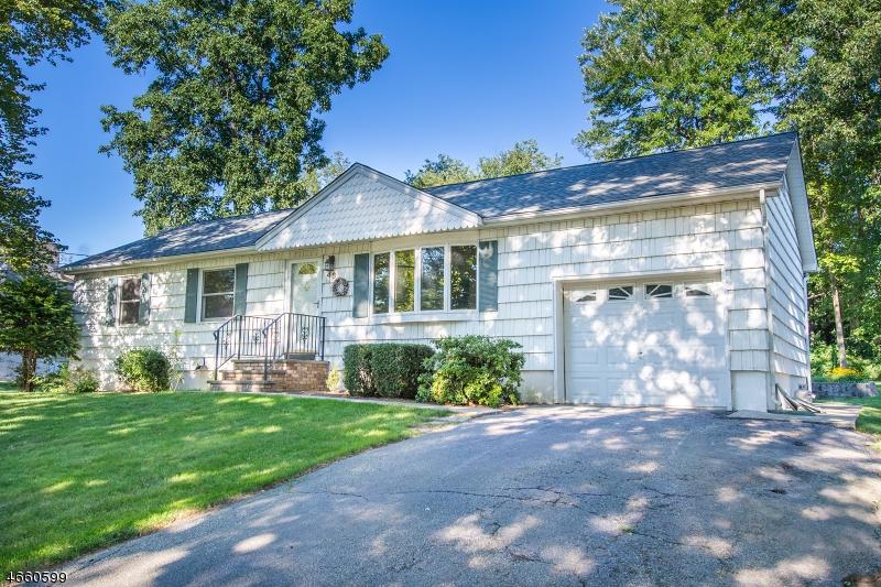 Casa Unifamiliar por un Venta en 48 Summit Road Oak Ridge, Nueva Jersey 07438 Estados Unidos