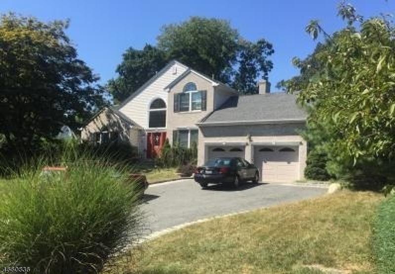 Casa Unifamiliar por un Venta en 20 Forest Hill Road Mahwah, Nueva Jersey 07430 Estados Unidos