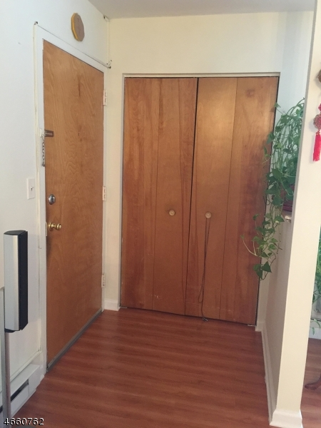 Additional photo for property listing at 9 Montgomery St, U-A7  Belleville, 新泽西州 07109 美国