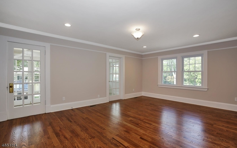 Additional photo for property listing at 7 Elmer Avenue  Bernardsville, New Jersey 07924 États-Unis