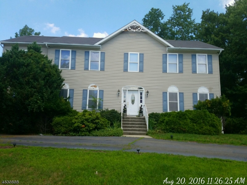 Additional photo for property listing at 108 Forest Drive  Haledon, Nueva Jersey 07508 Estados Unidos