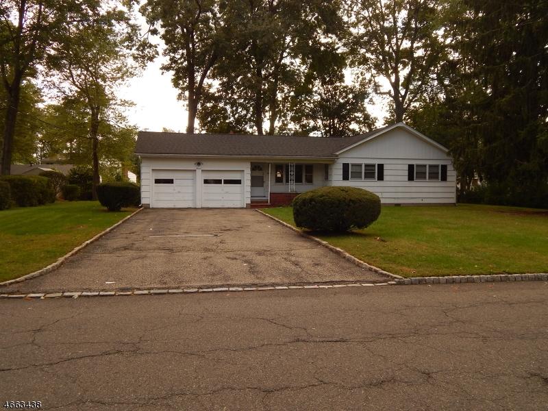 Частный односемейный дом для того Продажа на Address Not Available Fairfield, 07004 Соединенные Штаты