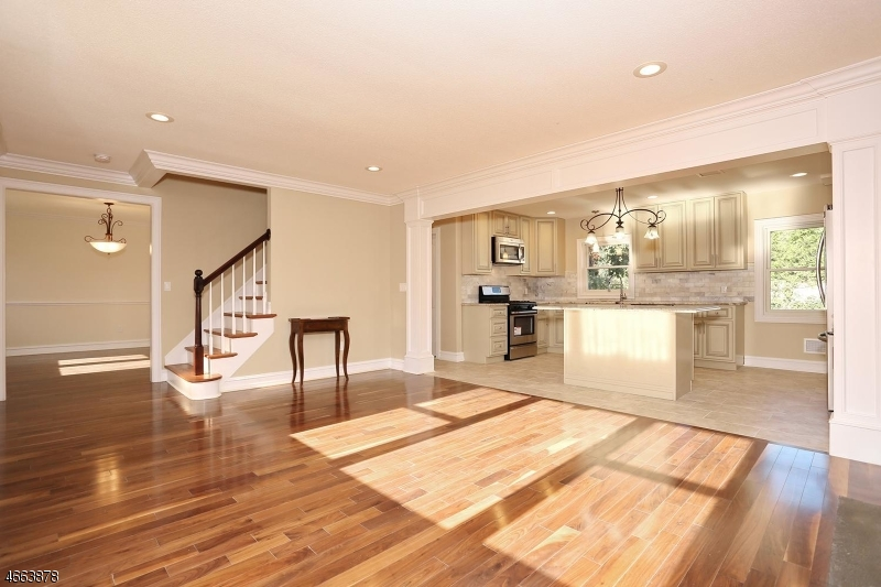 Additional photo for property listing at 176 Vanderburgh Avenue  Rutherford, New Jersey 07070 États-Unis