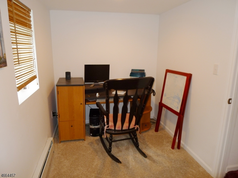 Additional photo for property listing at 38 Tufts Trail  Hopatcong, New Jersey 07843 États-Unis