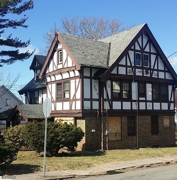 Additional photo for property listing at 791 Broadway  Paterson, Нью-Джерси 07514 Соединенные Штаты