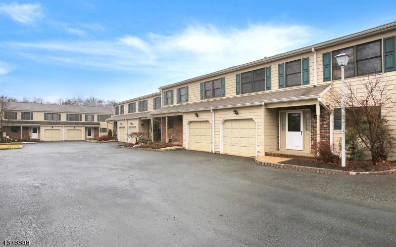 独户住宅 为 销售 在 107 Sunrise Drive Gillette, 07933 美国