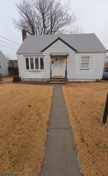 独户住宅 为 销售 在 634 Kingston Avenue Kenilworth, 07033 美国