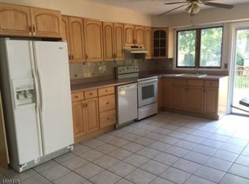 Maison unifamiliale pour l à louer à 13 John Street Pine Brook, New Jersey 07058 États-Unis