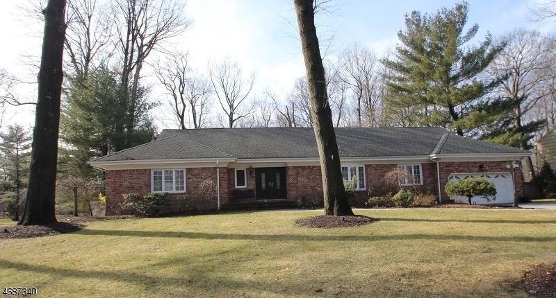 Частный односемейный дом для того Продажа на 189 Fox Hollow Road Wyckoff, 07481 Соединенные Штаты