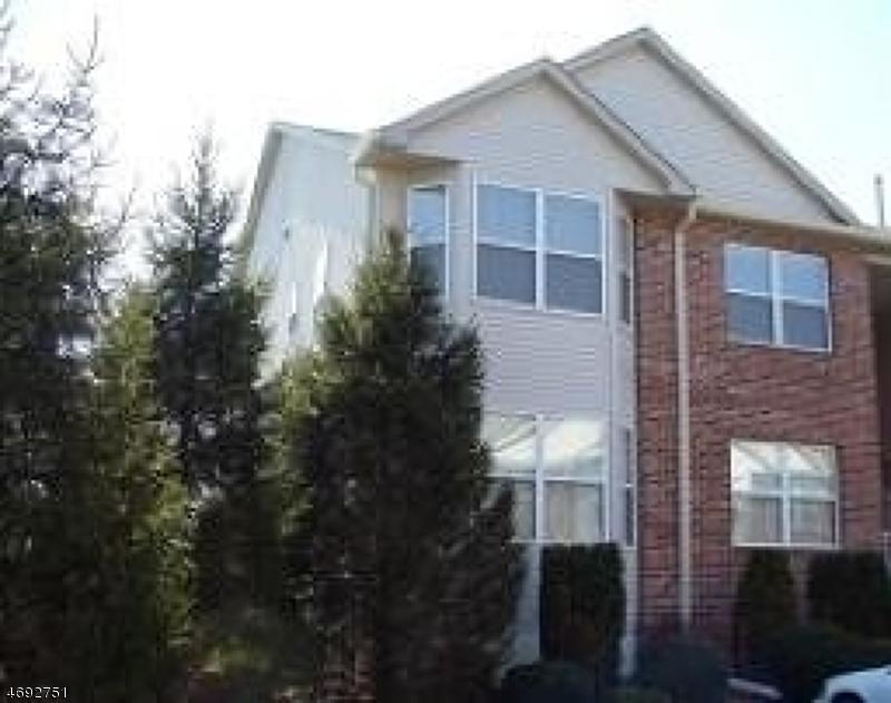 Casa Unifamiliar por un Alquiler en 7 Millie Lane East Hanover, Nueva Jersey 07936 Estados Unidos