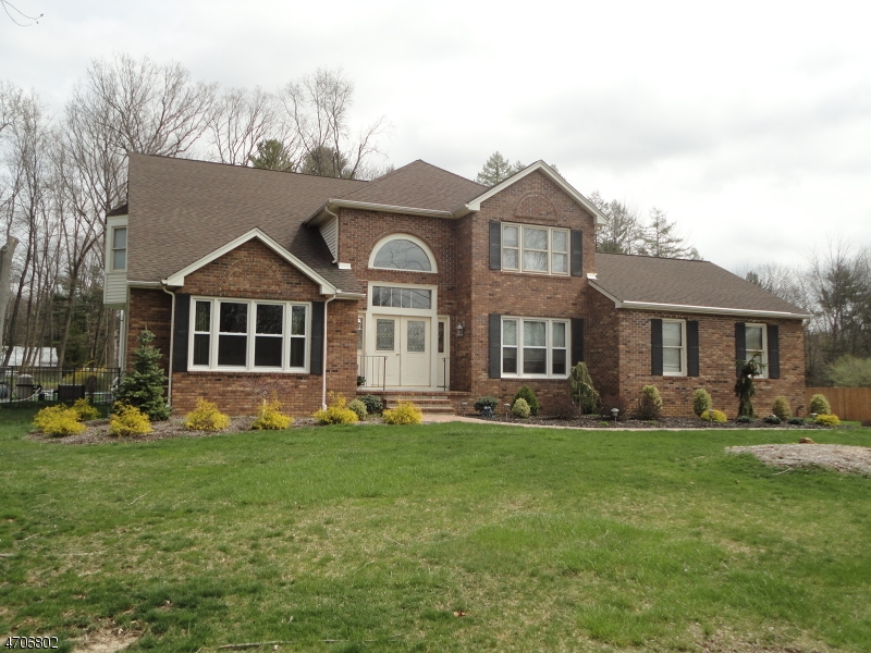 Single Family Home for Sale at 12 Pleasant Village Drive Succasunna, 07876 United States