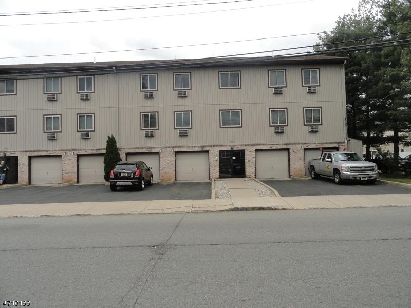 Частный односемейный дом для того Аренда на 102 Harrison unit 8 Belleville, Нью-Джерси 07109 Соединенные Штаты