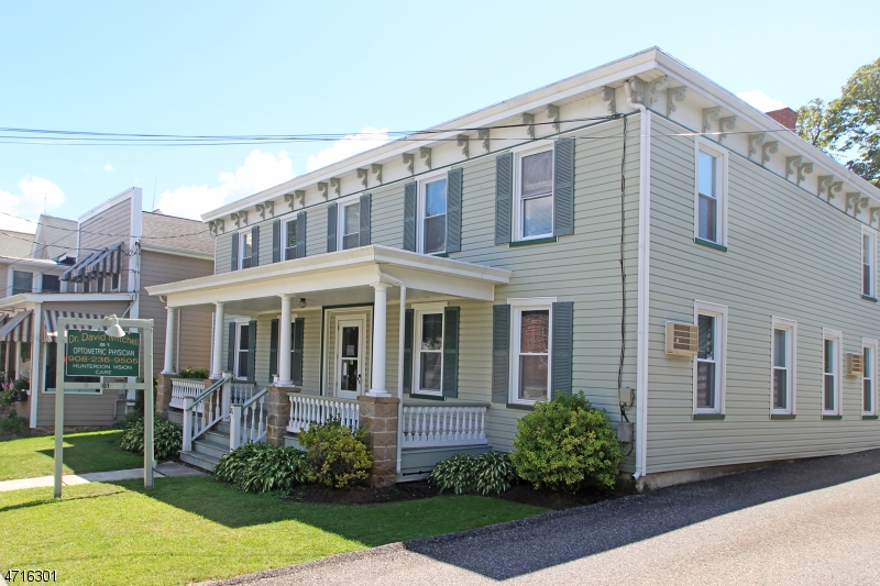 Flerfamiljshus för Försäljning vid 81 Main Street Lebanon, New Jersey 08833 Usa