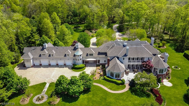 Single Family Home for Sale at 116 Meeker Road Basking Ridge, New Jersey 07920 United States