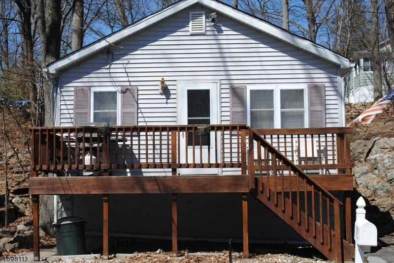 Single Family Home for Rent at 6 Jefferson Trail Hopatcong, New Jersey 07843 United States