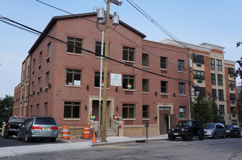 Частный односемейный дом для того Аренда на 9 Prospect Street Morristown, Нью-Джерси 07960 Соединенные Штаты