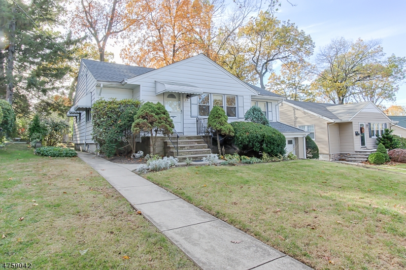 Single Family Home for Sale at 20 Washington Place Hasbrouck Heights, New Jersey 07604 United States