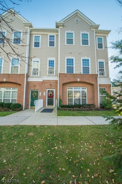 Einfamilienhaus für Verkauf beim 512 Deluca Road 512 Deluca Road Belleville, New Jersey 07109 Vereinigte Staaten